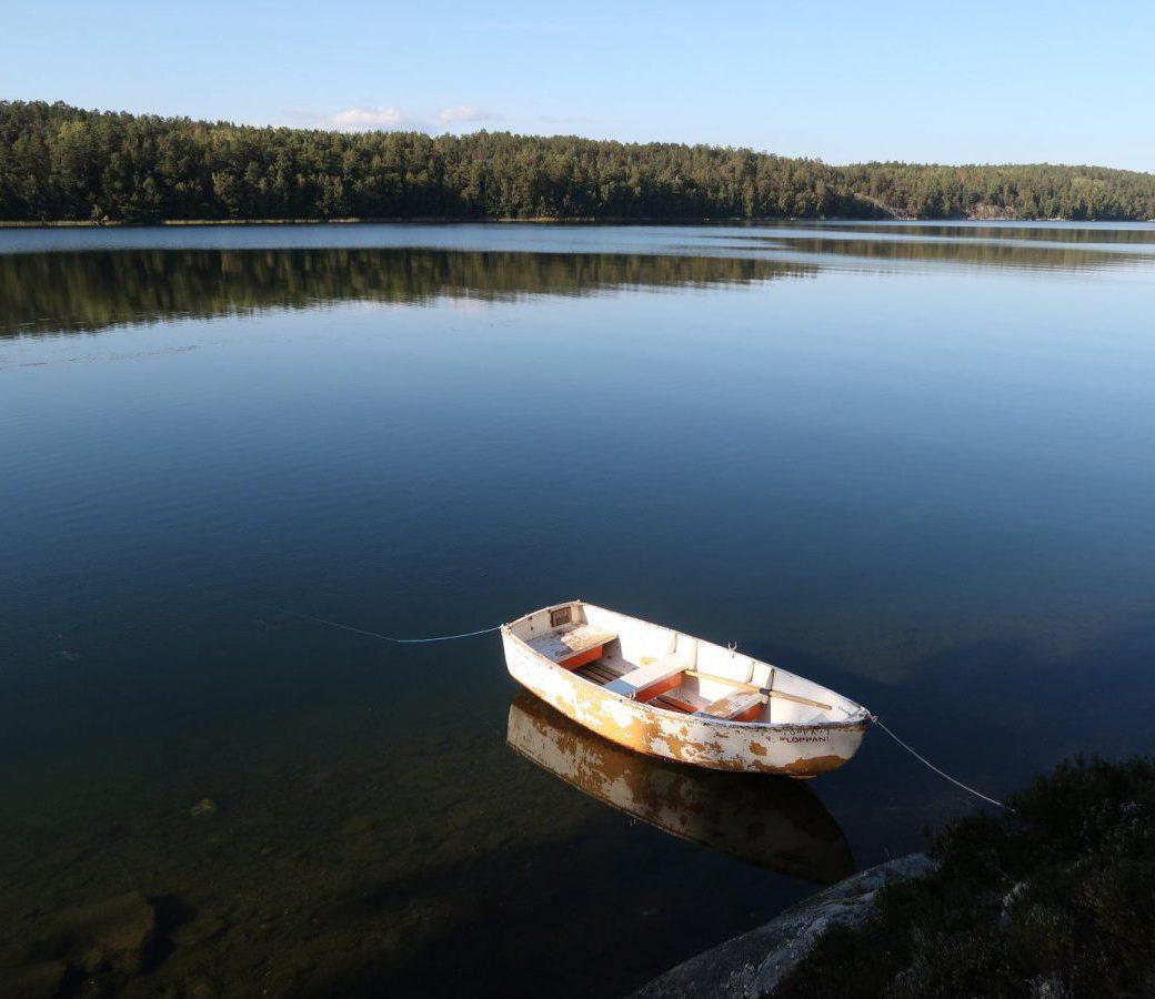 Roddbåt för att upptäcka Långarnsfjärden