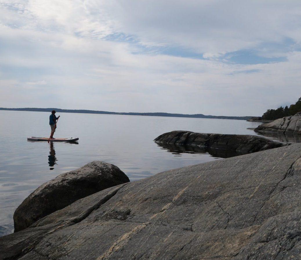 Upptäck Långarnfjärden på en Stand Up Paddle.