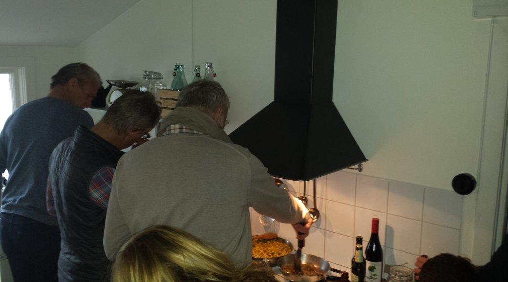 Full fart i köket